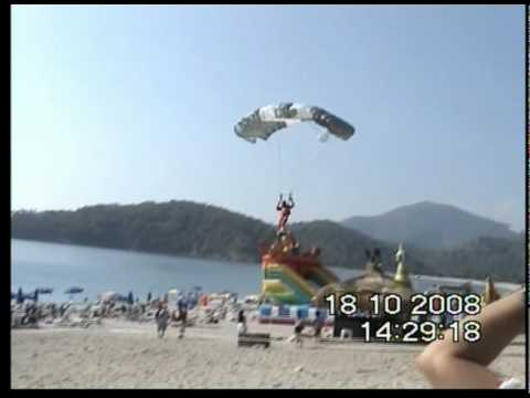 Skydiver crashes into paraglider Video