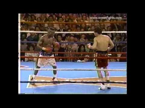 Julio Cesar Chavez Knocks Out Shocking Meldrick Taylor video