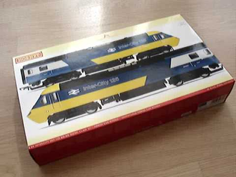 Opening the box for the fist time! This video introduces you to the exquisite Inter-City 125 from Hornby. This class 43 HST (High Speed Train) still holds th...