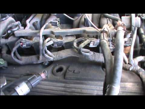 How to Change An Intake Manifold On A 4.6L Ford V8.