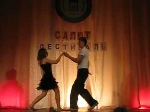 Никогда не танцуйте в сарафанчике