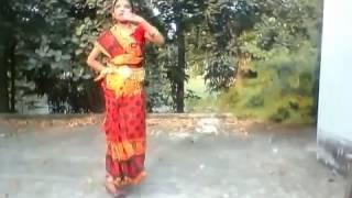 Download পাহাড়ি গানের সাথে শারিকার  নৃত্য (music & dance ) 3Gp Mp4