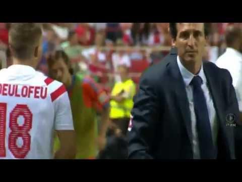 Unai Emery Almost Rips Gerard Deulofeu's Arm Off | Sevilla vs Valencia | 2014, HD