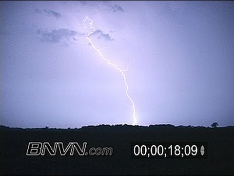 8/15/2007 Overnight Lightning Video From Albert Lea, MN