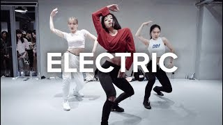 Electric Alina Baraz May J Lee Choreography