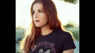 Watch Neko Case Wayfaring Stranger video