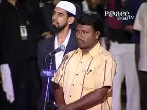 Hindu Man Accepts Islam After Listening The Answer Of Dr. Zakir Naik. video