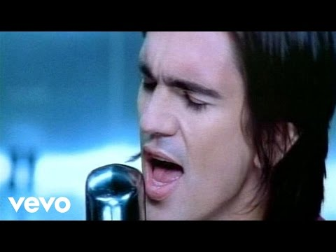 Music video by Juanes performing Es Por Ti. (C) 2003 Universal Music Latino.
