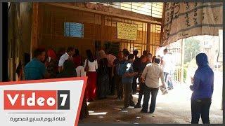 بالفيديو.. طالب ثانوى بـ«شورت وفانلة وكاب» يقدم استمارة الرغبات بجامعة القاهرة