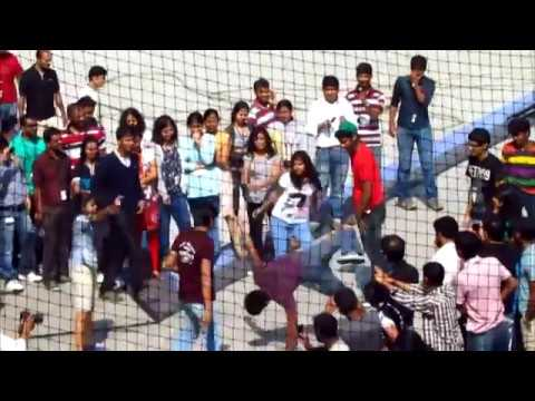 Flash Mob at Infosys Bangalore - Kolaveri-HD Full Version