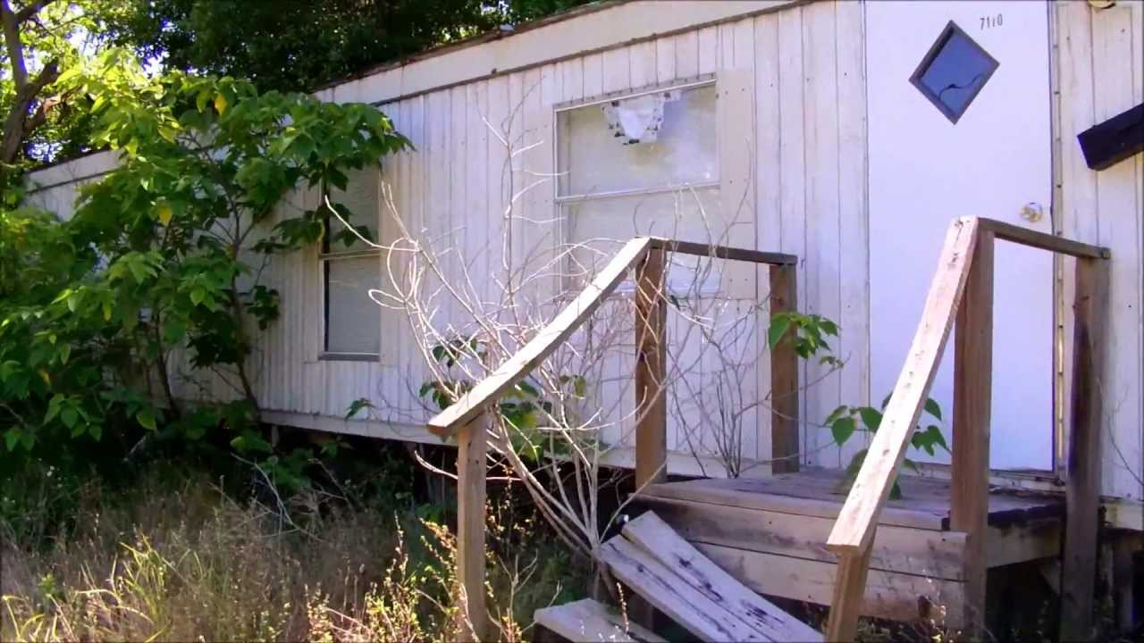 A Home That S Modern Inside And Out: Abandoned Mobile Home (mint Interior)