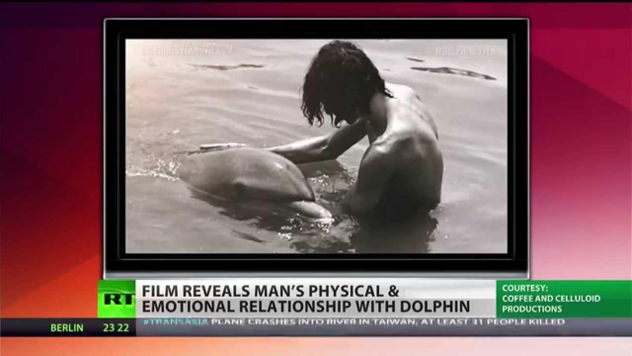 Видео секс с дельфинами