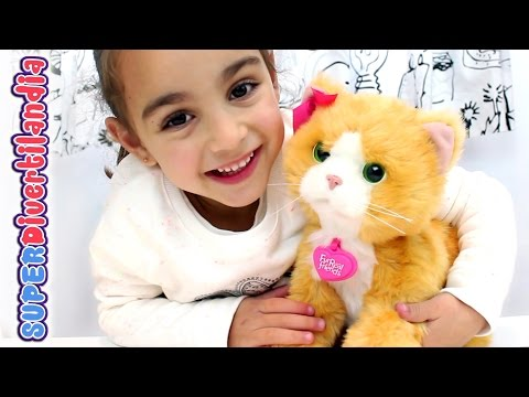 Daisy, Gatita Juguetona de FurReal Friends! Divertilandia con Andrea Plays with me kitty toy.