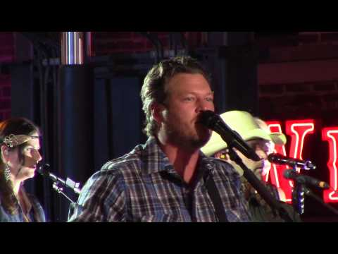Blake Shelton Performs Boys Round Here Live At The Cmt Music Awards Festival video