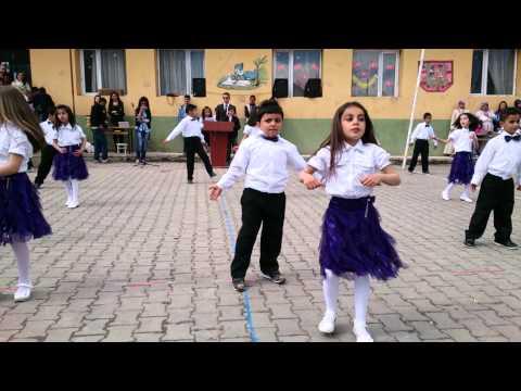 23 Nisan dans gösterisi Mezdeke -  Ya habibi yala