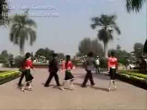 Moak klei khap khua yang ( Ede highschool dance )