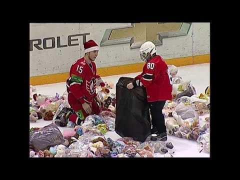 МИШКОПАД - 2335 игрушек на льду!!! Без комментариев)