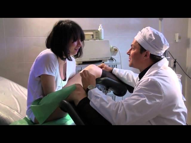 Посмотреть ролик - Смотреть: Гинеколог Валерий Храпов принимает беременную.