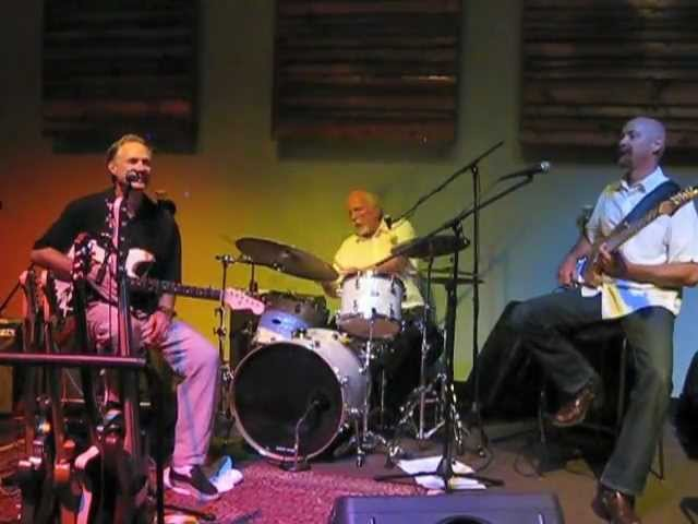 The Creighton Lindsay Trio plays &quot;I Play Dirty&quot; at Cloud 9, August 18, 2011