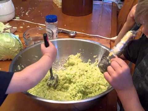 How to Make (Fool Proof) Homemade Sauerkraut: Fermented Foods Lesson #1
