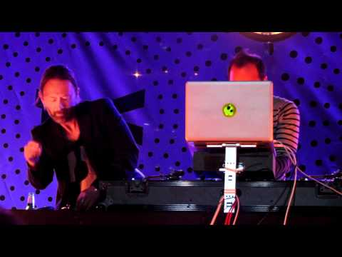 DJ Set - Thom Yorke&Nigel Godrich at Transmission LA: AV CLUB - 01
