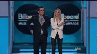 Julie Bowen and Ty Burrell - 2012 Billboard Music Awards spoofs