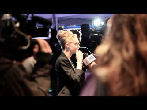 Red Carpet: Amanda Seyfried, Ellen Barkin; Letters to Juliet