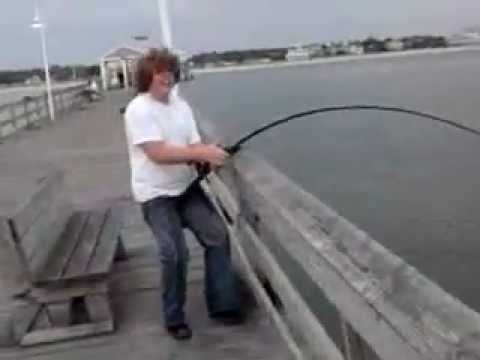 400lb sea turtle at ocean view fishing pier norfolk va for Fishing license for disabled person