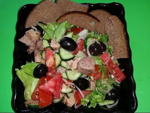 Вкуснейший салат из печени трески с овощами