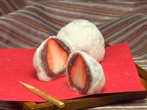 How to Make Strawberry Daifuku