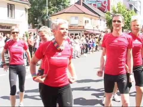 Front Runners paraden 2010.wmv