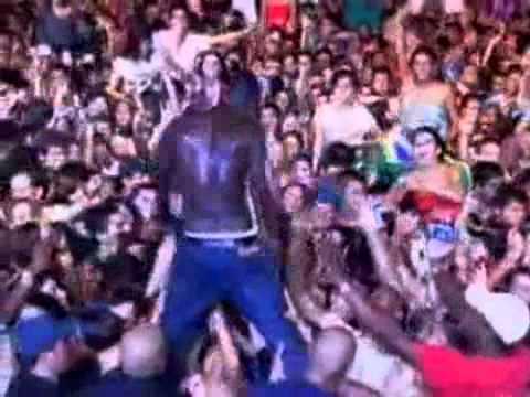 akon - beautiful LIVE IN BRAZIL 2010