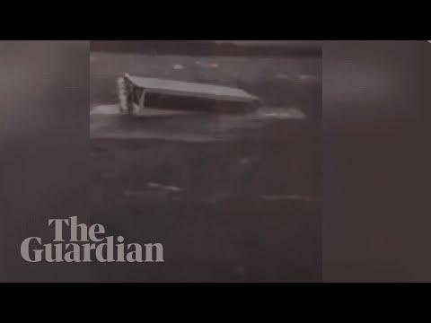 Footage captures Missouri tourist boat capsizing