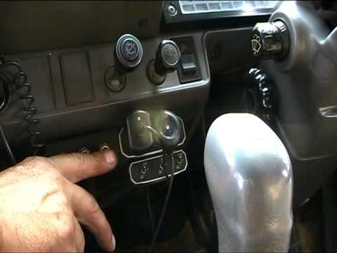 Hino 1991г. Обзор грузовика (Кабина. Двигатель).