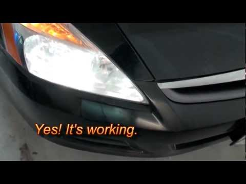 How to Replace the Headlight Bulb on a Honda Accord 2007-Low Beam