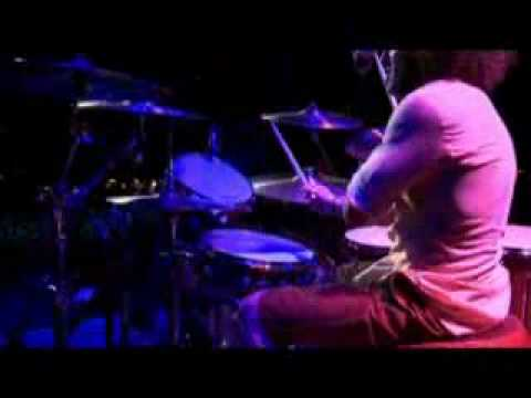 Highlights of Nuno Bettencourt's solos from the new Extreme DVD