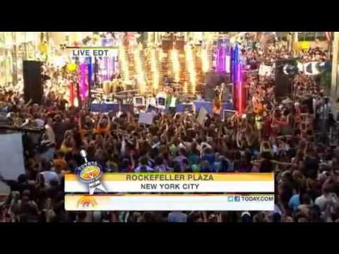 Pitbull Ft. Ne-Yo - Give Me Everything (Today Show Toyota Concert 2011) Music Videos
