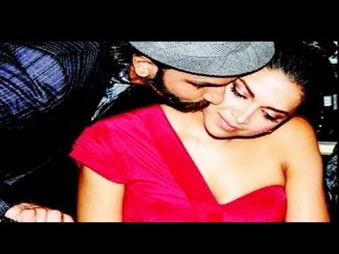 Ranveer Singh KISSES Deepika Padukone in PUBLIC | AIB Knockout