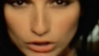 Клип Laura Pausini - Primavera Anticipada ft. James Blunt