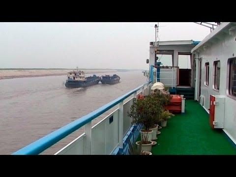 Yangtze river cruise from wuhan to gezhouba dam china travel