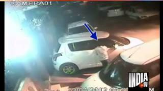 laptop stealing scene, funny videos, Videos, awareness videos, laptop thief CCTV camera video