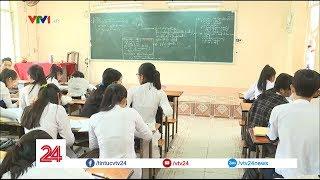 Cô giáo lên lớp nhưng không giảng bài trong suốt 4 tháng - Tin Tức VTV24
