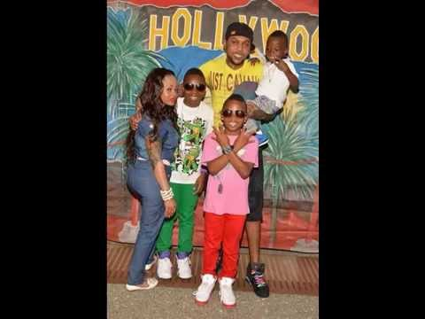 (Photo) Kartel out for Christmas!