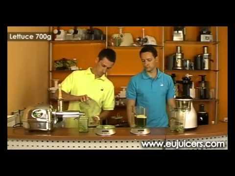 Test porównujący wyciskarki do soków z owoców i warzyw: Angel 7500 i Omega VRT 350