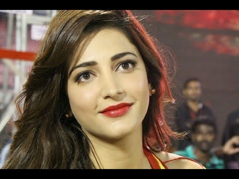 Shruti Hassan - Singing a Song in her Next