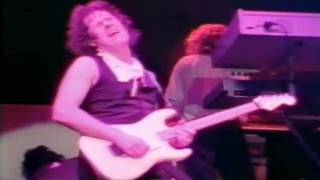 Клип Gary Moore - The Loner