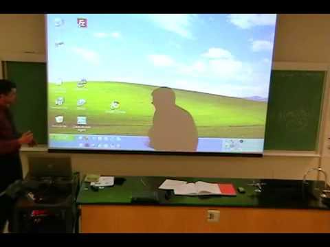 Gente - Profesor en clase de informática