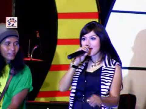 Ratna Antika - Cinta Anak Kampung (Official Music Video)