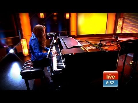 Birdy - 'People Help the People' LIVE on Sunrise