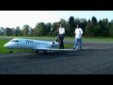 Gigantic Rc Airliner Bombardier Crj 200 Lufthansa Twin Turbine Model Airplane Hausen Flugtag 2014 video